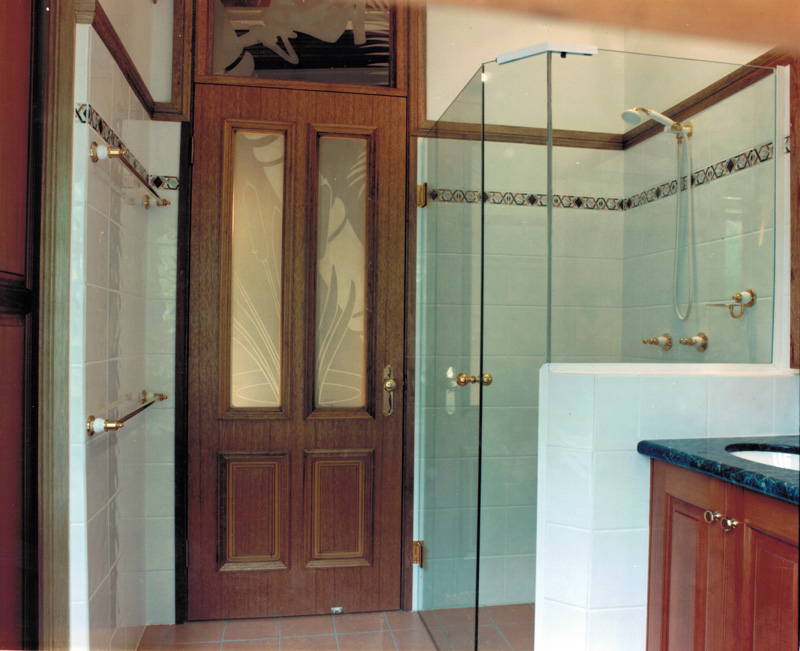 Vanity and  shower and door