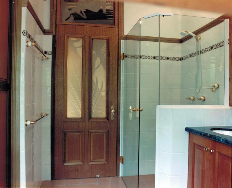 Vanity and  shower and door